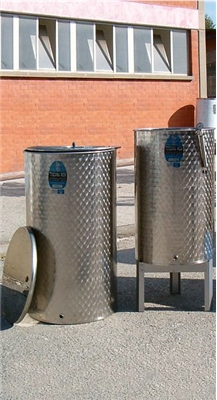 Variable Capacity Stainless Tanks 100 to 1,000 Liter