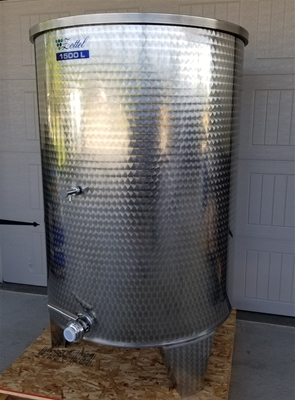 Premium - Flat Bottom Variable Capacity Tanks 500 to 2,000 Liter
